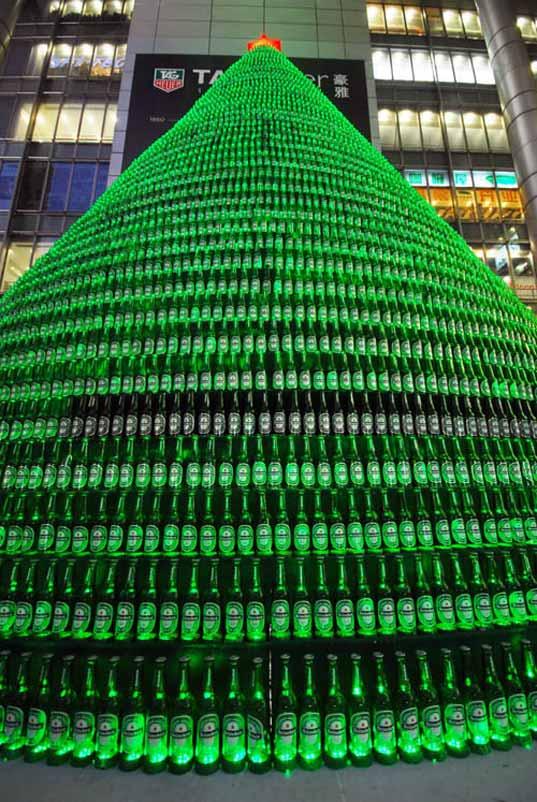Con botellas de cerveza